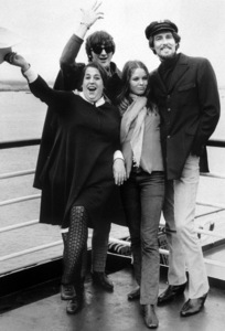 The Mamas and the Papas John Phillips, Michelle Phillips, Mama Cass Elliot, Denny Doherty October 1967 **I.V. - Image 11569_0003