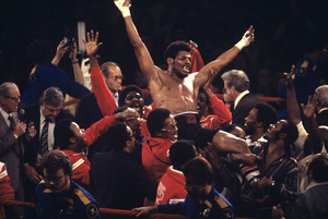 Leon Spinks after defeating Muhammad Ali1978© 1978 Gunther - Image 11585_0010