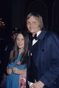 Jon Voight and Marcheline Bertrandcirca 1970s© 1978 Gary Lewis - Image 11589_0015