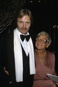 """Jon Voight and his mother at """"The 37th Annual Golden Globe Awards""""1980© 1980 Gary Lewis - Image 11589_0031"""
