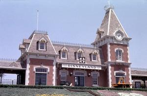 Disneylandcirca 1955 © 1978 Gerald Smith - Image 11598_0007