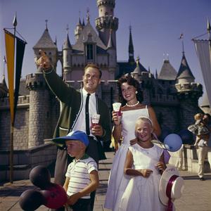 Disneylandcirca 1950s© 1978 Bernie Abramson - Image 11598_0015
