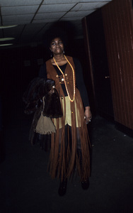 Fashion (Isaac Hayes concert goers) circa 1970s © 1978 Gunther - Image 11606_0016