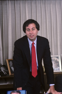 Brandon Tartikoff in his NBC office1987© 1987 Gunther - Image 11617_0014