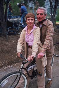 """Shadow Box,"" Joanne Woodwardand husband Director Paul Newmanon set / 1980 ABC. © 1980 Gene Trindl - Image 11621_0005"