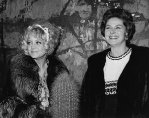 "Goldie Hawn and Ingrid Bergman at the premiere of ""Cactus Flower""1969 - Image 11715_0003"