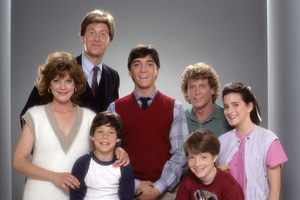 """""""Charles in Charge""""Julie Cobb, James Widdoes, Michael Pearlman, Scott Baio, Jonathan Ward, Willie Aames, April Lerman1984 © 1984 Mario Casilli - Image 11863_0001"""