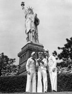 """On the Town""Jules Muschin, Gene Kelly, Frank Sinatra1949 MGM**I.V. - Image 11997_0016"