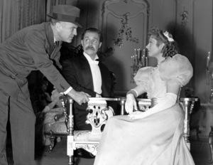 """Goodbye Mr. Chips""Sam Wood, Robert Donat & Greer Garson1939 MGM**I.V. - Image 12007_0009"