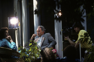 """Robin Leach with Jane Russell on """"Lifestyles of the Rich and Famous""""1986 © 1986 Gunther - Image 12034_0011"""