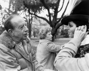 """""""Matter Of Time, A""""Director Vincente Minnelli and Liza Minnellion the set.  1976/AIP © 1978 Ron Grover - Image 12045_0004"""