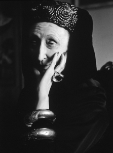 Edith Sitwellc. 1950Photo by Sanford Roth © 1998 Los Angeles County Museum of Art - Image 12052_0001
