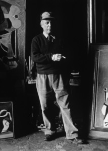 Pablo Picasso at his studio on Rue Des Grands Augustins in Paris circa 1950s © 1998 Sanford Roth / Los Angeles County Museum of Art - Image 12059_0002