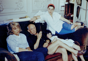 Pablo Picasso with his family (daughter Maya to his right) circa 1955 © 2000 Mark Shaw - Image 12059_0016