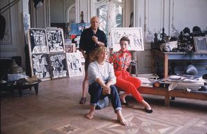 Pablo Picasso with French model Bettina Graziani  and his daughter Maya in his Cannes Villa, La Californie 1955 © 2001 Mark Shaw - Image 12059_0017