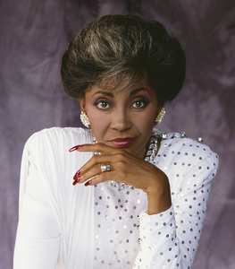 Nancy Wilson 1983 © 1983 Bobby Holland - Image 12161_0005