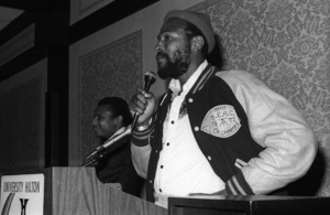 Marvin Gaye speaking to the press 1980© 1980 Bobby Holland - Image 12163_0087