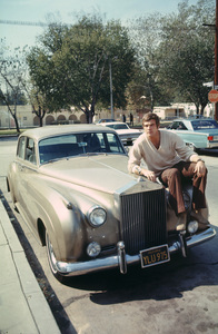 Lee  Majorsand his Rolls Royce1969Photo by Herm Lewis / **H.L. / MPTV - Image 12177_0001