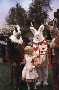 """""""Alice in Wonderland""""Sid Caesar, Red Buttons, Roddy McDowall, Natalie Gregory1985 © 1985 Gunther - Image 12181_0001"""