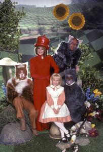 """Alice in Wonderland""S. Baio, A. Jullian, N. Gregory, T. Savalas, S. Hemsley1985 CBS © 1985 Mario Casilli - Image 12181_0004"