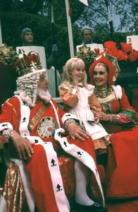 """""""Alice In Wonderland""""Roberty Morley, Natalie Gregory, Jayne Meadows1985 CBS © 1985 Gunther - Image 12181_0013"""