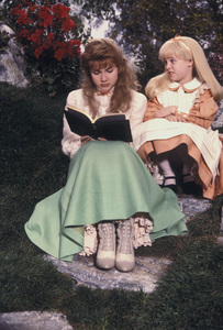 """Alice in Wonderland""Sharee Gregory & Natalie Gregory1985 CBS © 1985 Mario Casilli - Image 12181_0021"