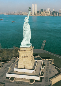 New York skyline, Statue Of Liberty, 1980. © 1980 Earl Witscher - Image 12252_0003