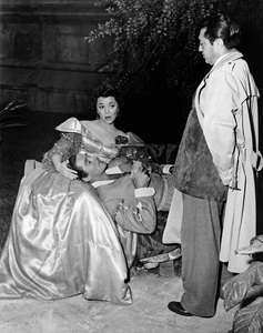 """Adventures of Don Juan""Ann Rutherford, Errol Flynn, director Vincent Sherman1948 Warner BrothersPhoto by Lloyd MacLean - Image 12256_0005"