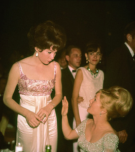 """Academy Awards: 36th Annual""Shirley MacLaine, Debbie Reynolds1964 - Image 12363_0009"