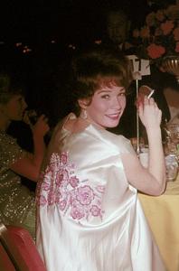 """Academy Awards: 36th Annual""Shirley Maclaine,Debbie Reynolds ( Background )1964 © 1978 David Sutton - Image 12363_0013"