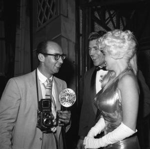 Photographer Bernie Abramson with Mickey Hargitay and Jayne Mansfieldcirca 1960s © 1978 Bernie Abramson - Image 12367_0004