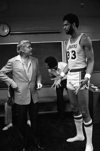 Dr. Jerry Buss and Kareem Abdul-Jabbar1979 © 1979 Gunther - Image 12379_0002