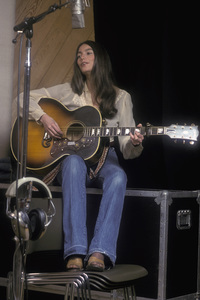 Emmylou Harris during a recording session1978 © 1978 Ed Thrasher - Image 12486_0039