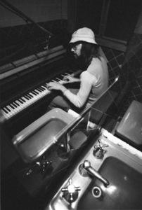 Jimmy Webb (recording studio - piano in bathroom)October 1971© 1978 Ed Thrasher - Image 12506_0007
