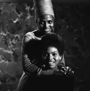 Miriam Makeba with her daughter, Bongi1967© 1978 Ed Thrasher - Image 12586_0011