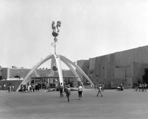 P.O.P. (Pacific Ocean Park)circa 1960 / Santa Monica, CA** M.W. - Image 12622_0015