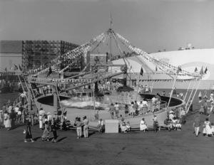 P.O.P. (Pacific Ocean Park)circa 1960 / Santa Monica, CA** M.W. - Image 12622_0018