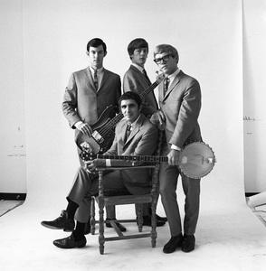 The Modern Folk Quartet (Cyrus Faryar, Henry Diltz, Chip Douglas, Jerry Wester) 1964 © 1978 Ed Thrasher - Image 12630_0103