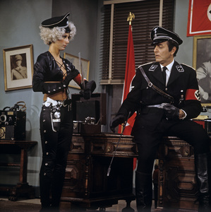 """""""The Sonny and Cher Comedy Hour"""" Cher, Mike Connorscirca 1973** H.L. - Image 1273_0083"""