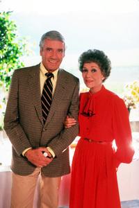 """Falcon Crest""Mel Ferrer, Jane Wyman1982 CBS © 1982 Gene TrindlMPTV - Image 12973_0013"