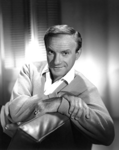 """Jonathan Harris """"Lost In Space"""" 1966 © 2009 Space Productions Photo By Gabi Rona - Image 13125_0001"""