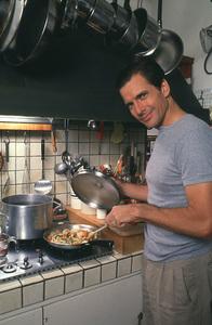 Dirk Benedict at home, 1989. © 1989 Ken Whitmore - Image 13214_0003