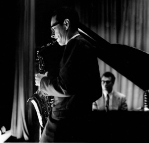 Paul Desmond and Dave Brubeck (background) 1954 © 1978 Bob Willoughby - Image 13307_284