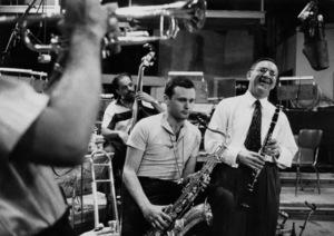 """The Benny Goodman Story"" Recording Session, Universal 1955.Stan Getz (sax) and Benny Goodman (clarinet). © 1978 Bob Willoughby / MPTV - Image 13318_5"