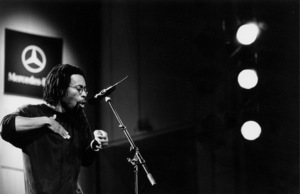 "Bobby McFerrin at the ""Jazz Gipfel"" concert, Stuttgart, Germany, 1992. © 1978 Bob Willoughby / MPTV - Image 13381_42"