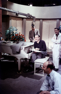 """""""Steve Allen Show, The""""Steve AllenFeb. 1958/NBCPhoto by Gerald Smith - Image 13414_0005"""