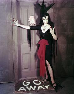 "Maila ""Vampira"" Nurmi 1955 **I.V. - Image 13440_0007"