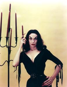 "Maila ""Vampira"" Nurmi 1955 **I.V. - Image 13440_0008"