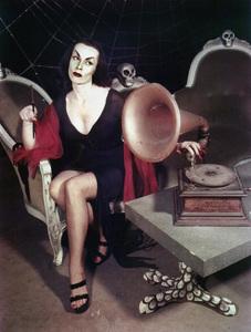 "Maila ""Vampira"" Nurmi 1955 **I.V. - Image 13440_0011"