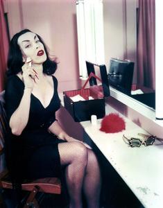 "Maila ""Vampira"" Nurmi 1955 **I.V. - Image 13440_0014"
